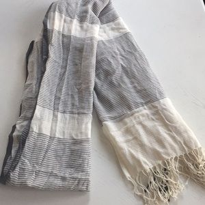 Oversized Striped scarf